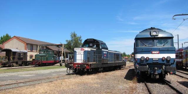 Trains en gare de Beillé